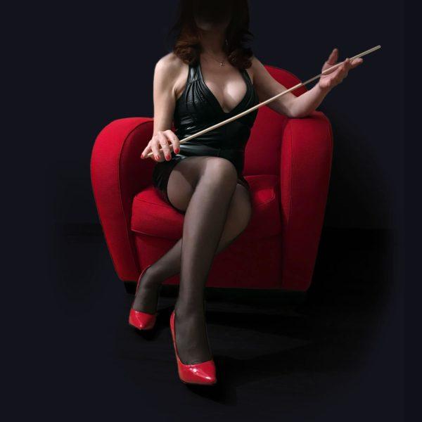 Maîtresse Célia, Dominatrice Maîtresse en BDSM.